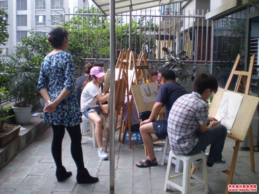 齐生设计职业学校2011年6月手绘课照片3