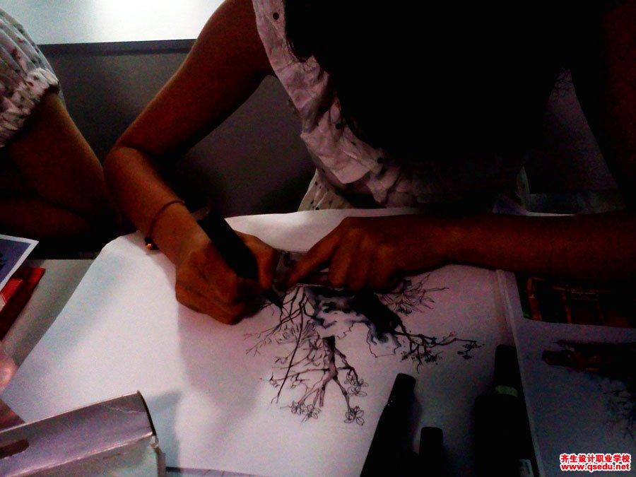 齐生设计职业学校2011年6月手绘课照片6