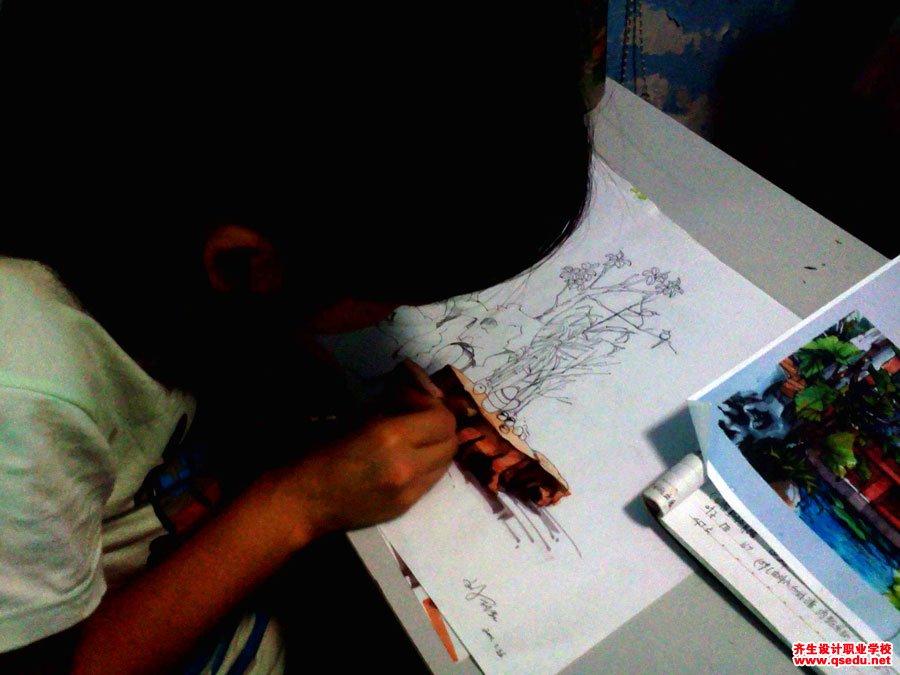 齐生设计职业学校2011年6月手绘课照片7