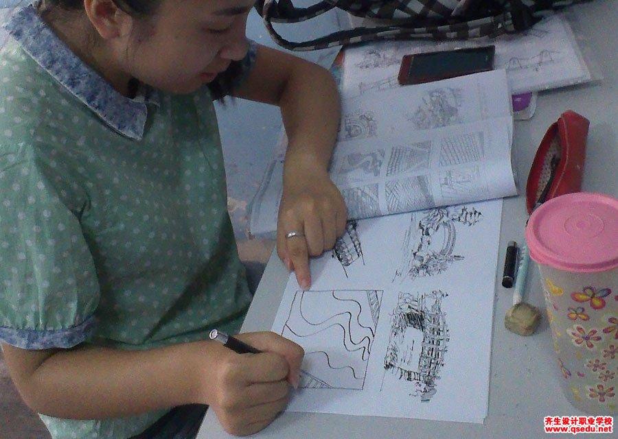齐生设计职业学校2013年8月手绘课3
