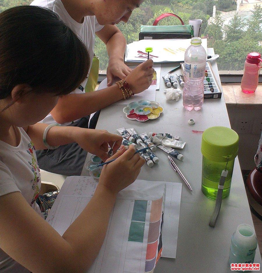 齐生设计职业学校2013年8月手绘课5